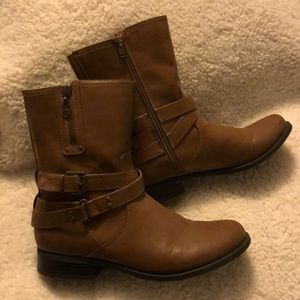Guess Midcalf bootie